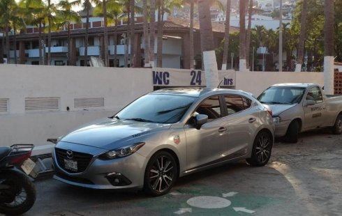 SHOCK!! Un excelente Mazda 3 2014, contacta para ser su dueño