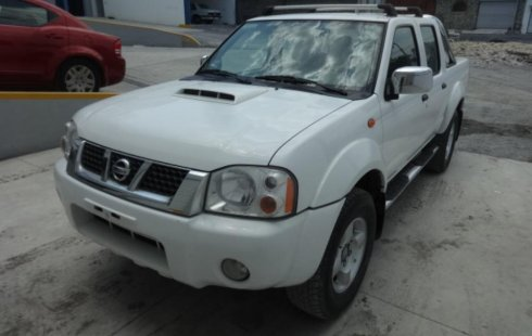 NISSAN FRONTIER 2012 color blanco