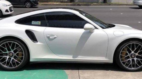 Pongo a la venta cuanto antes posible un Porsche 911 en excelente condicción