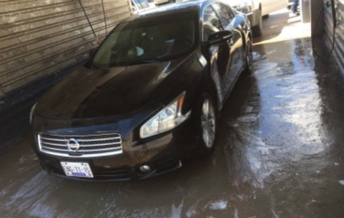 Nissan Maxima 2010 impecable