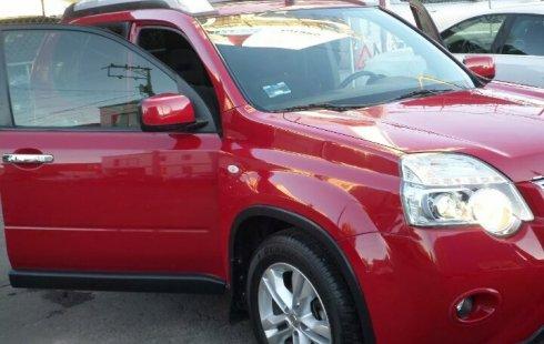 Nissan X-TRAIL 2013 color rojo