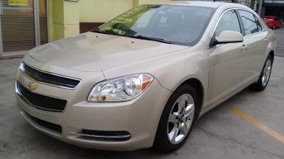 Vendo un carro Chevrolet Malibu 2010 excelente, llámama para verlo
