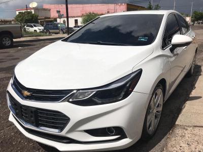 Carro Chevrolet Cruze 2017 de único propietario en buen estado