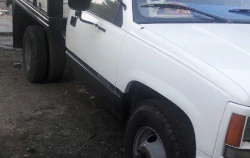 Precio de Chevrolet C3500 2000