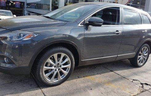 Carro Mazda CX-9 2015 de único propietario en buen estado