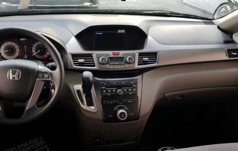 Coche impecable Honda Odyssey con precio asequible