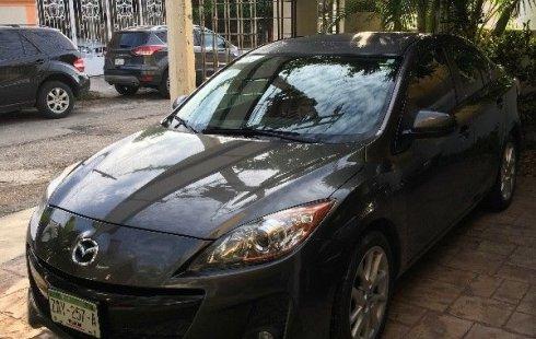 Un carro Mazda 3 2012 en Yucatán