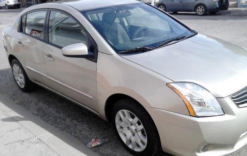 Vendo un Nissan Sentra por cuestiones económicas