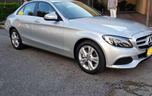 Quiero vender urgentemente mi auto Mercedes-Benz Clase C 2016 muy bien estado