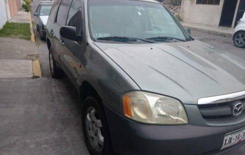 Carro Mazda TRIBUTE 2004 de único propietario en buen estado