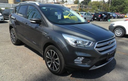 Ford Escape 2018 Gris