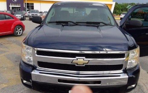 Urge!! Vendo excelente Chevrolet Cheyenne 2010 Automático en en Quintana Roo