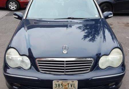 Quiero vender cuanto antes posible un Mercedes-Benz Clase C 2002
