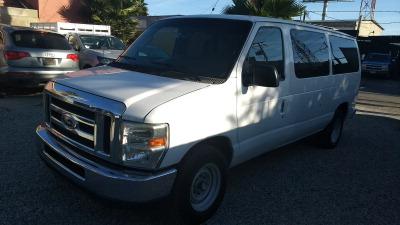 Quiero vender un Ford Econoline E150 usado