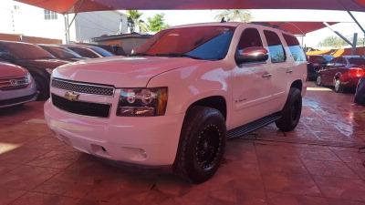 Quiero vender inmediatamente mi auto Chevrolet tahoe 2008