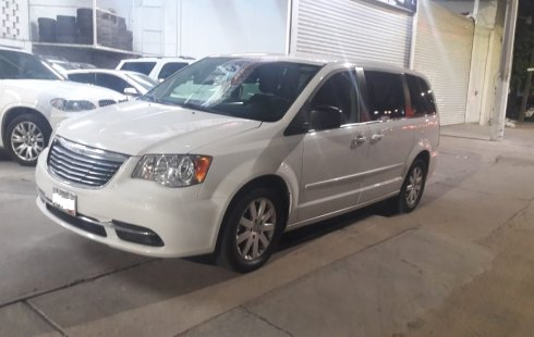 Chrysler Town & Country LI 2016