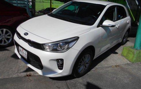 Se vende urgemente Kia Rio 2018 Automático en Guadalajara