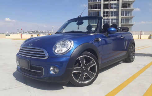Mini Cooper 2015 Convertible Color Azul