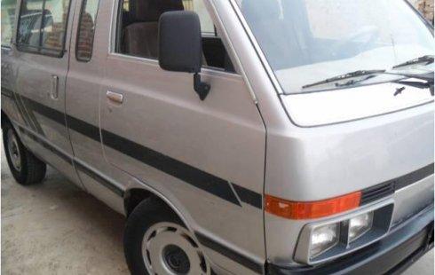 Nissan Ichi van impecable en Guanajuato