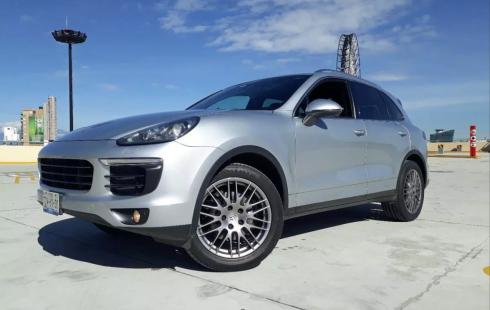 Porsche Cayenne 2016 $700,000