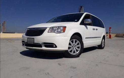 Chrysler Town & Country Limited 2011 Blanco
