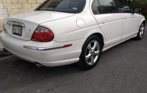 Tengo que vender mi querido Jaguar S-Type 2003 en muy buena condición