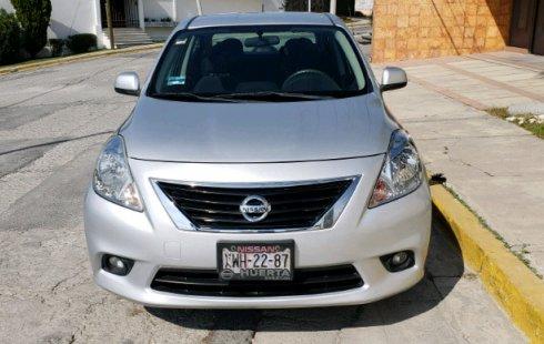 Un Nissan Versa 2012 impecable te está esperando