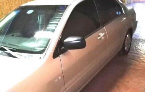 Precio de Mitsubishi Lancer 2002
