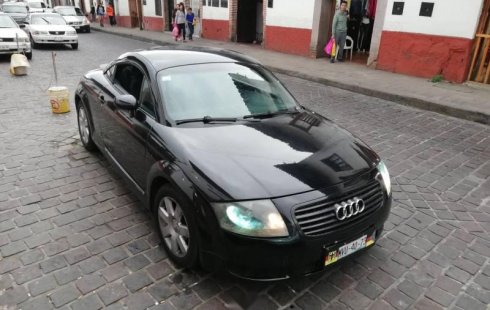 Un Audi TT 2004 impecable te está esperando