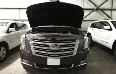 Quiero vender urgentemente mi auto Cadillac Escalade 2017 muy bien estado
