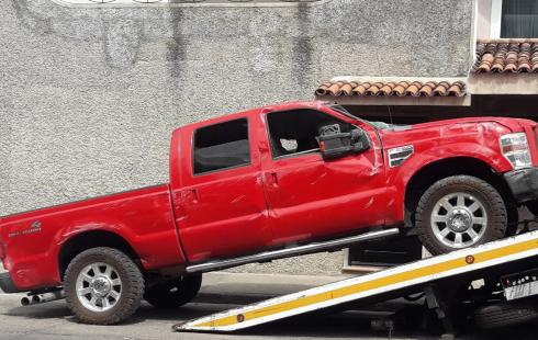 Camioneta Ford F-250, Super Duty, pick up, 4x4, motor v-8 de 6.4 l. 343 hp, turbo diesel