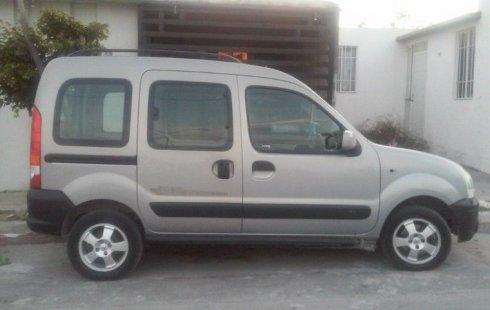 Se vende un Renault Kangoo de segunda mano