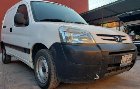 Urge!! En venta carro Peugeot Partner 2012 de único propietario en excelente estado
