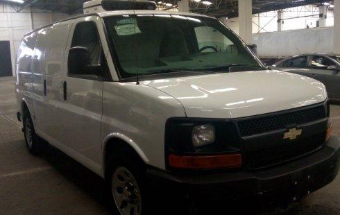 Quiero vender urgentemente mi auto Chevrolet Express 2012 muy bien estado