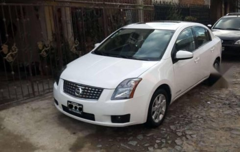 Se vende un Nissan Sentra de segunda mano
