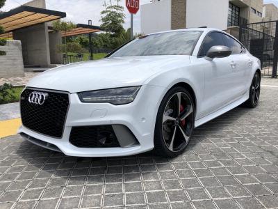 Quiero vender inmediatamente mi auto Audi RS7 2017 muy bien cuidado