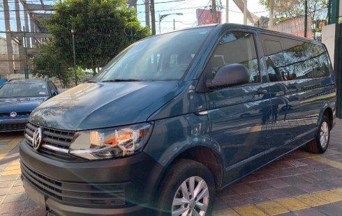 Quiero vender urgentemente mi auto Volkswagen Transporter 2018 muy bien estado