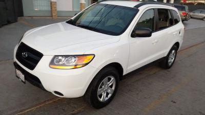 Me veo obligado vender mi carro Hyundai Santa Fe 2009 por cuestiones económicas