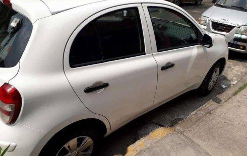 Vendo un carro Nissan March 2012 excelente, llámama para verlo