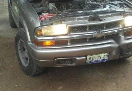 Quiero vender urgentemente mi auto Chevrolet Blazer 2000 muy bien estado