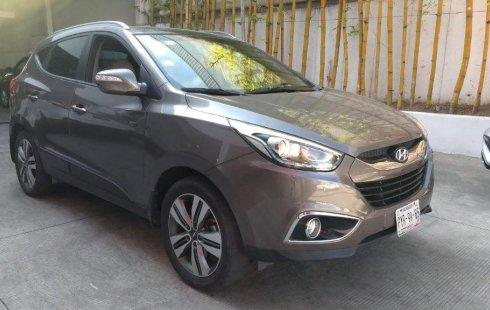 Vendo un carro Hyundai ix35 2015 excelente, llámama para verlo