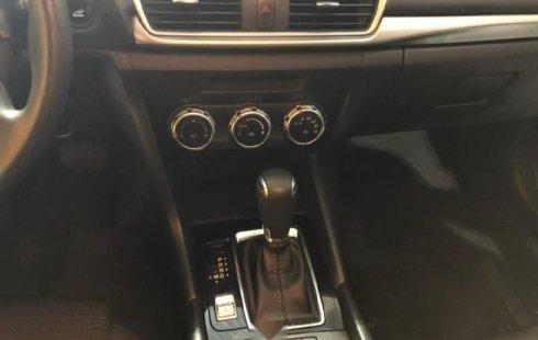 Tengo que vender mi querido Mazda 3 2017 en muy buena condición