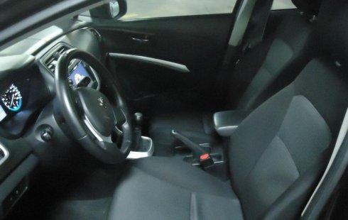 Pongo a la venta cuanto antes posible un Suzuki S-Cross en excelente condicción