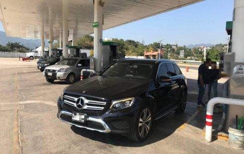 Tengo que vender mi querido Mercedes-Benz Clase GLC 2018 en muy buena condición