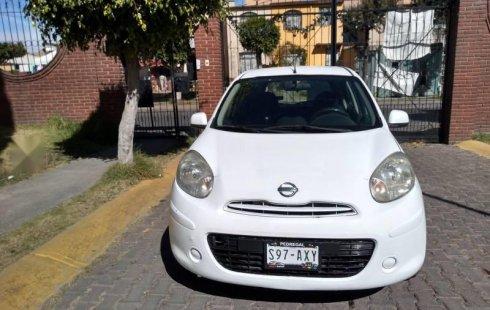 Un carro Nissan March 2012 en Ixtapaluca