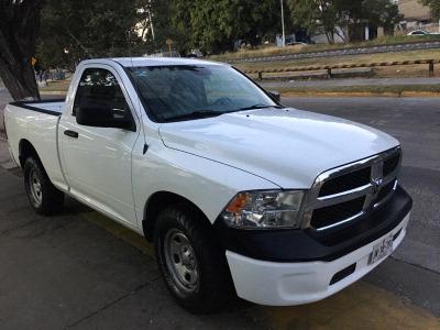 Quiero vender urgentemente mi auto Dodge RAM 1500 2015 muy bien estado