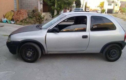 Coche impecable Chevrolet Chevy con precio asequible