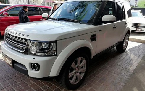Carro Land Rover Discovery 2015 de único propietario en buen estado