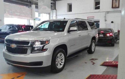 Se vende un Chevrolet Suburban de segunda mano