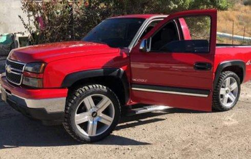 Chevrolet Cheyenne 2006 Rojo Cabina Regular